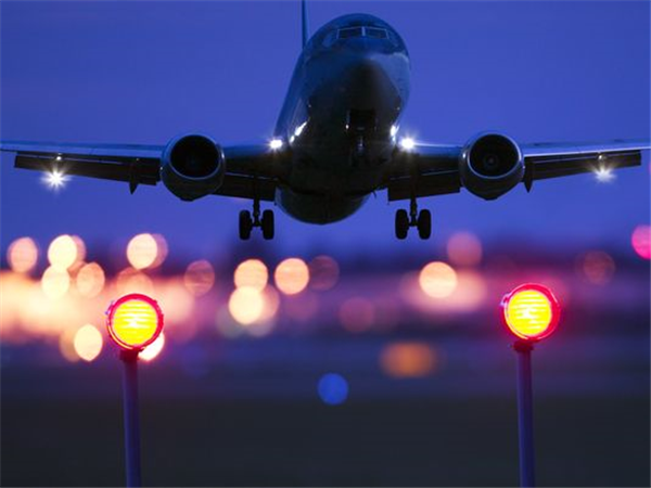 Airline flights, should you take a direct flight or connecting flight?